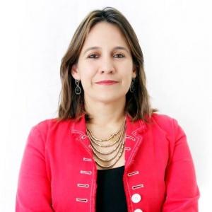 Renata Helena Paganoto Moura